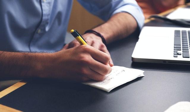Tips dan Trik Cara Menulis Artikel yang Menarik